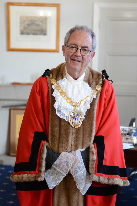 The Mayor Cllr Geoff Hipperson